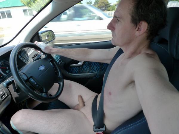 nude-driver-nudist-car